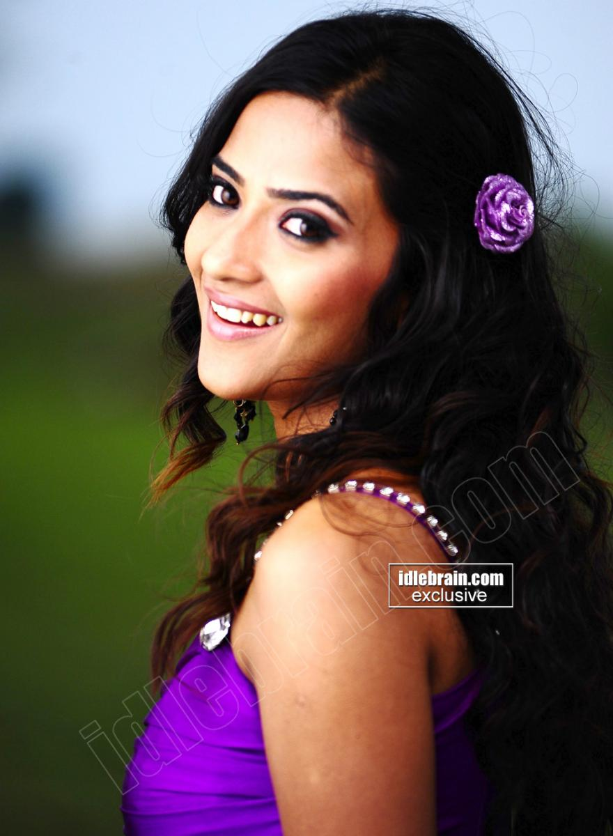 10560d1293527087 south actress wallpapers aditisharma3 south actress wallpapers wallpapers