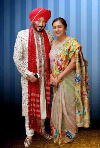 Name:  bhalla (???? ????) with his wife.jpg Views: 16391 Size:  47.8 KB
