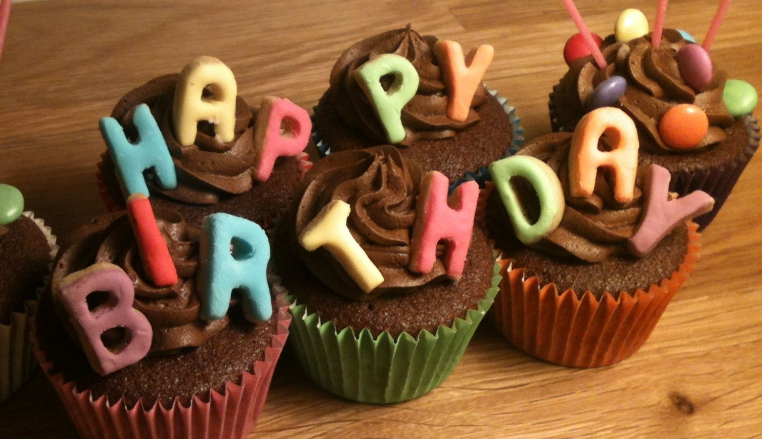 happybirthdaycupcakes-1.jpg