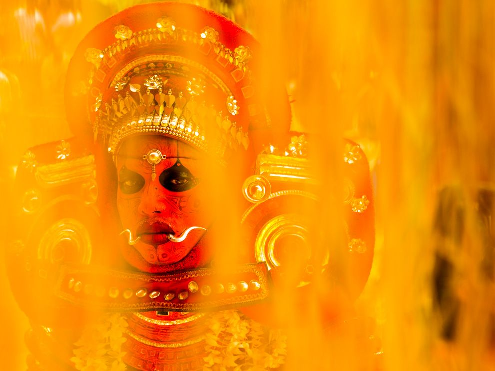 Name:  hindu-ritual-india_68265_990x742.jpg Views: 84 Size:  74.0 KB