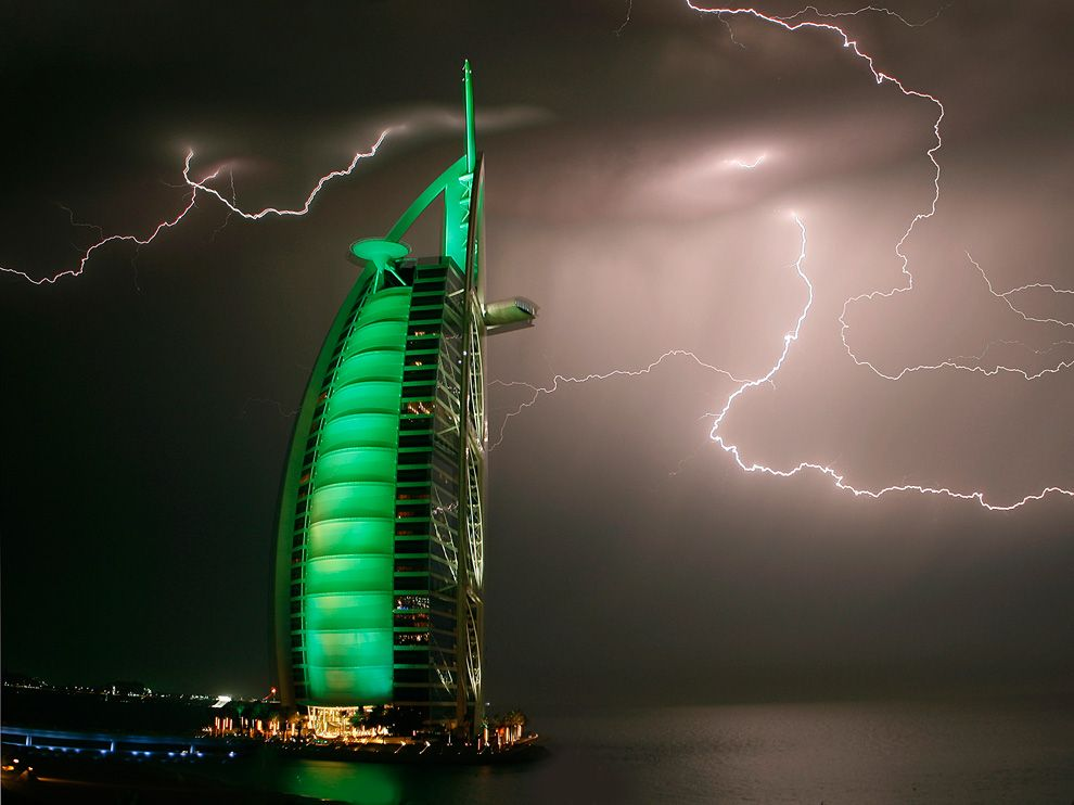 Name:  lightning-green-hotel-dubai_42602_990x742.jpg Views: 66 Size:  66.9 KB
