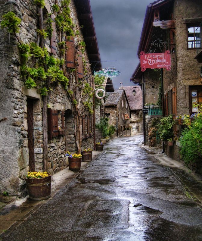 Beautiful And Extra Ordinary Picture: The Beautiful & Extraordinary France